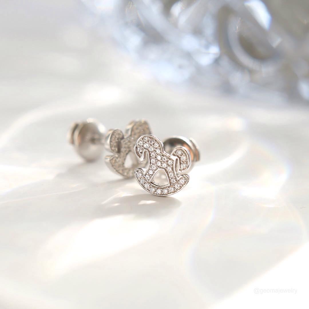 Серьги «Лошадки» в бриллиантах для девочек